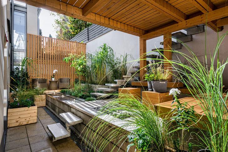 Kleiner Garten mit Höhenstaffelung
