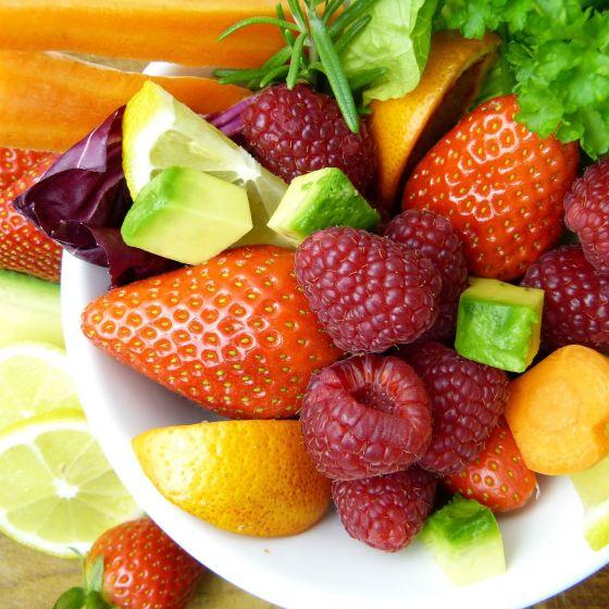 Teller mit Früchten