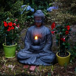 Buddha-Brunnen Prajna mit LED-Beleuchtung