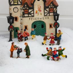 Miniatur-Winterfiguren Weihnachtsfreude, 4er-Set