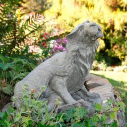 Gartenfigur Löwenkatze