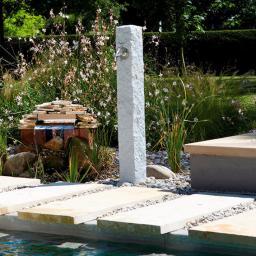 Granit Wasserzapfsäule, hell