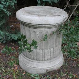 Antike Standsäule