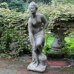 Steingussfigur Venus