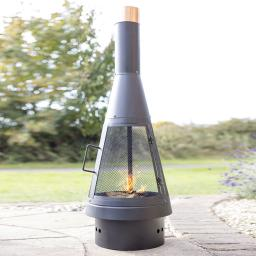 Outdoor Kamin Chimney mit feinem Gitter