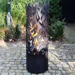 Flammentower Spector, 118x39x39 cm, Karbonstahl, schwarz