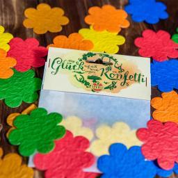 Konfetti aus Saatpapier in Blütenform