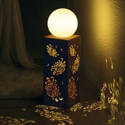 LED-Dekosäule mit Leuchtkugel