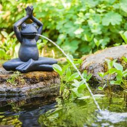 Yoga-Frosch im Schneidersitz, 38x21x40cm
