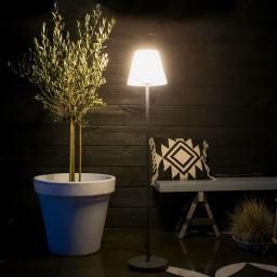 Stehlampe, energieeffizient, 135 cm