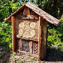 Natur-Insektenhotel
