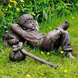 Gartenfigur Schlafender Junge Michel