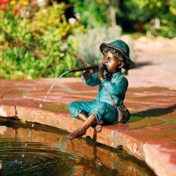 Bronze-Figur Benny mit Flöte