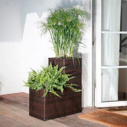 Outdoor-Rattan-Pflanztreppe mit Bewässerungssystem
