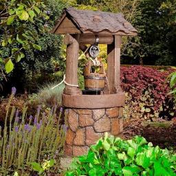 Wasserspiel Ziehbrunnen