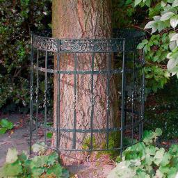 Baum-Zaun / Staudenhalter