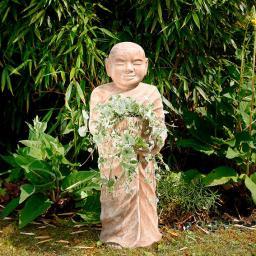Terracotta-Figur Mönch mit Pflanzschale, groß