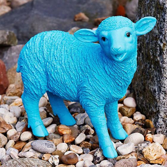 polyresin gartenfigur blaues schaf von g rtner p tschke. Black Bedroom Furniture Sets. Home Design Ideas