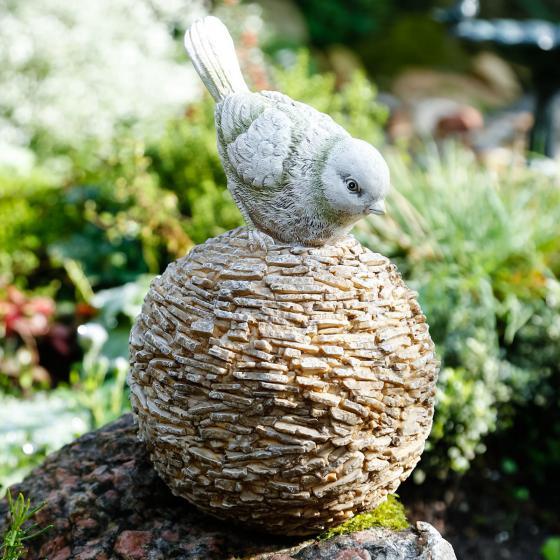 Vogel Siggi auf Kugel