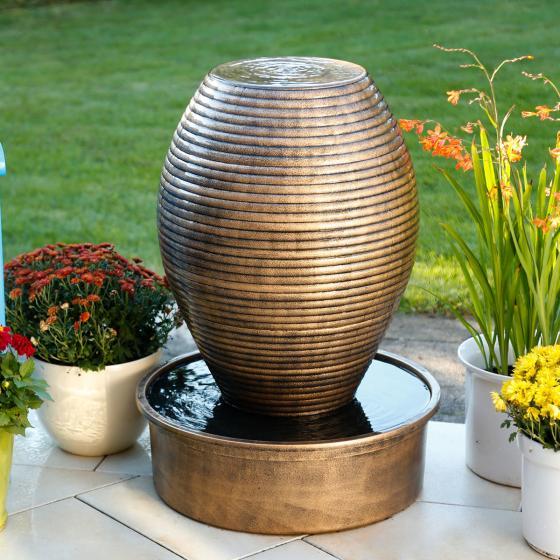 Brunnen Wasserspiel Zen