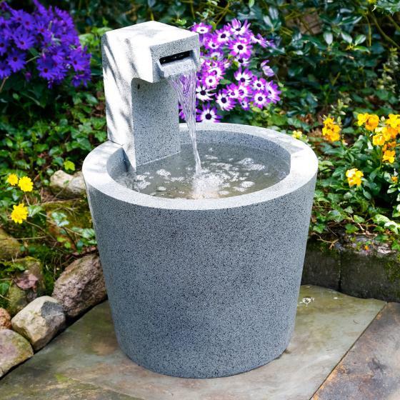 Brunnen Quell-Design mit LED-Beleuchtung