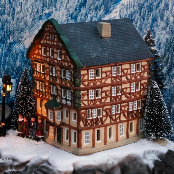 Miniatur-Lichthaus Adler-Apotheke in Bernkastel-Kues