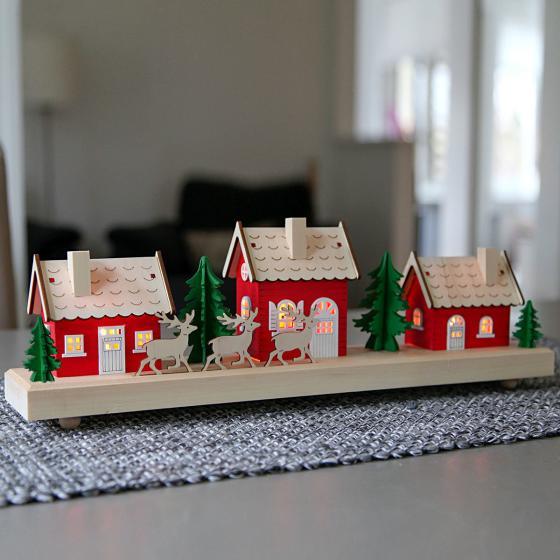 Star LED-Winterszene Schwedenhaus, 15x43x8 cm, Holz, rot