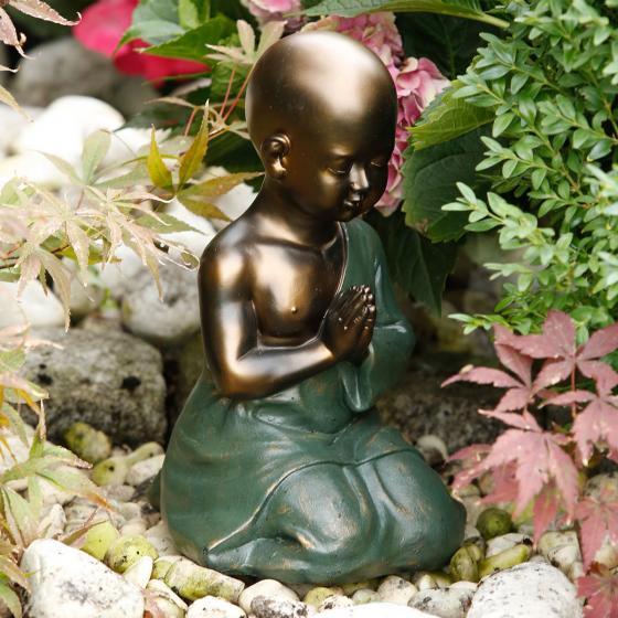 Betender Mönch Tong, 30x20x18 cm, Polyresin, grün gold