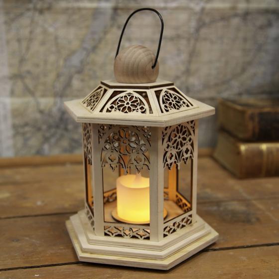 LED-Holzlaterne Lace, 14x14x20 cm, Holz, natur