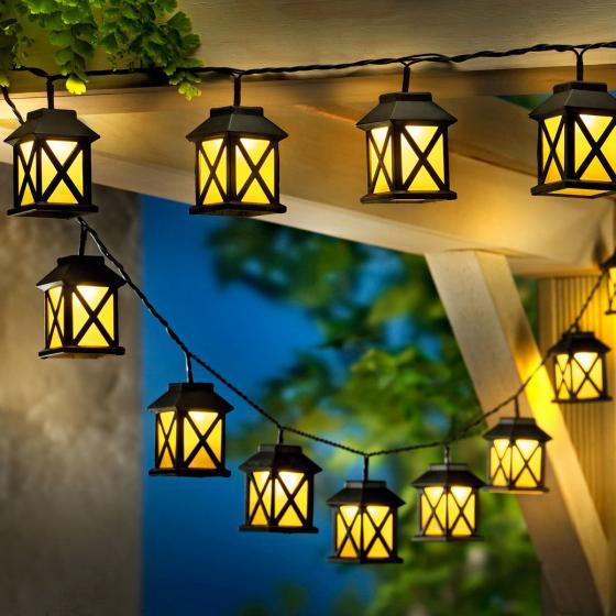 LED-Lichterkette Laterna, 15 Laternen, 280 cm, Zuleistung 5 m, Kunststoff