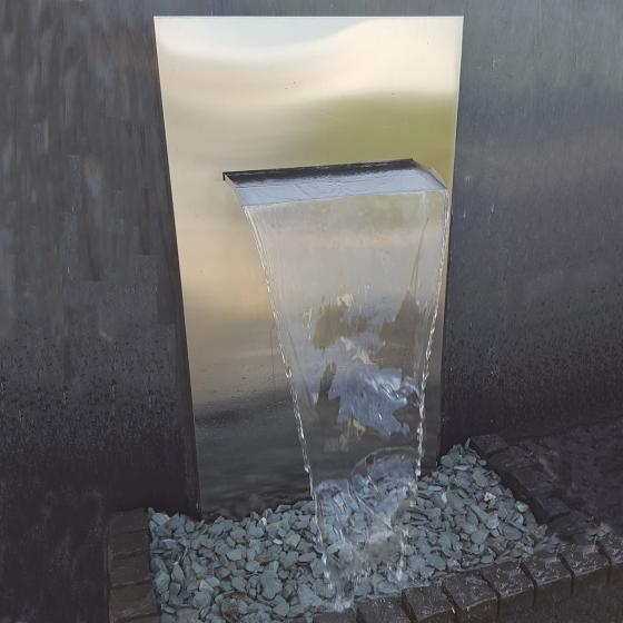 Edelstahlwand mit Wasserauslauf matt, mit Zubehör & Becken, 175x90x30cm