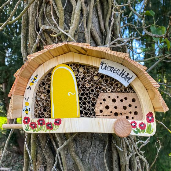 Bienenhotel Campingwagen