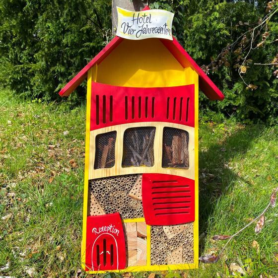 Insektenhotel 4 Jahreszeiten