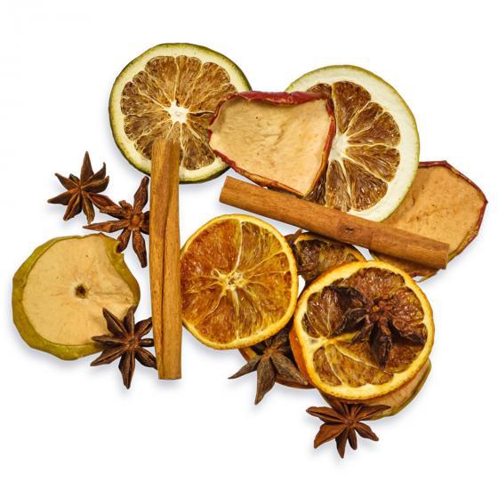 Getrocknete Orangen, Äpfel, Zimt, Sternanis