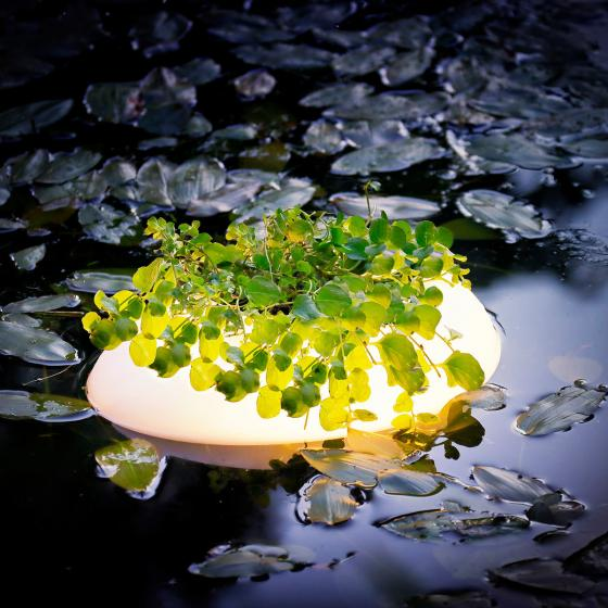 Schwimmende Teichbeleuchtung