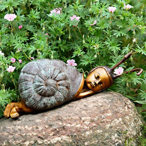 Garten-Bronze-Figur Schlafende Schnecke