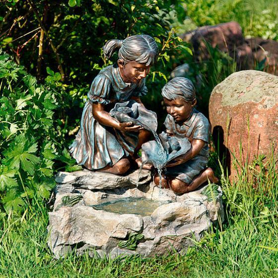 Wasserspiel Brunnen Kinderglück