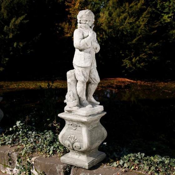 Vierjahreszeiten - Steinfigur Winter auf Säule