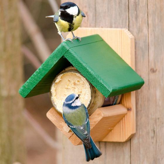 Futterhäuschen für Erdnussbuttergläser, 14x16x13 cm, Holz, natur grün