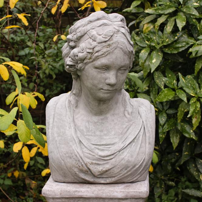 """*NEU*: Deko-Figur """"Katharina"""" aus Steinguss, mit Säule, weiß (Kopie)"""