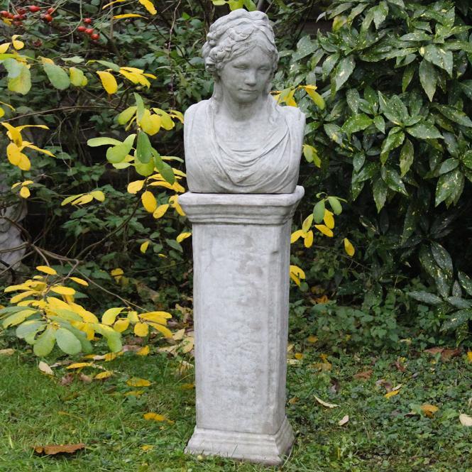 "*NEU*: Deko-Figur ""Katharina"" aus Steinguss, mit Säule"