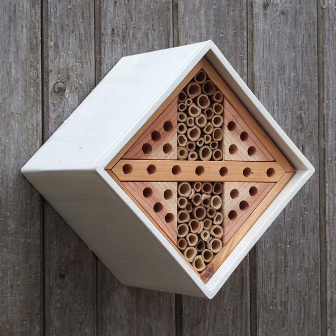 """*NEU*: Insektenhotel """"Urban Design"""" aus Clayplas+, weiß/braun"""