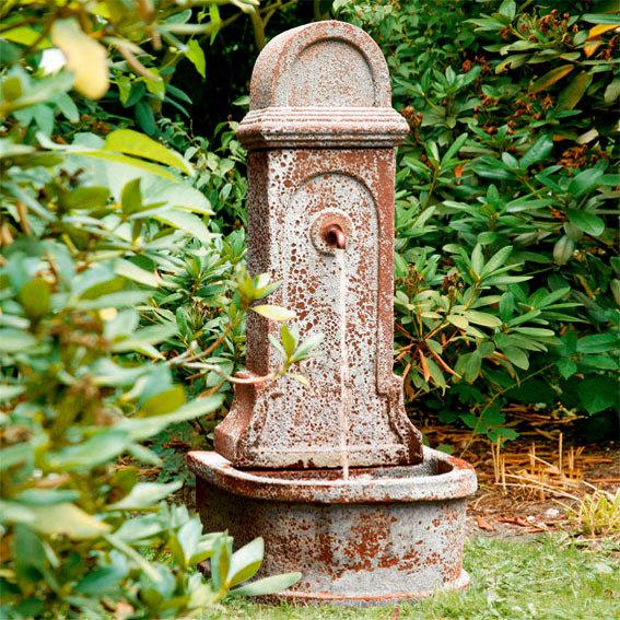 """Gartenbrunnen """"Aquarius"""" aus Steingut, rostfarben"""