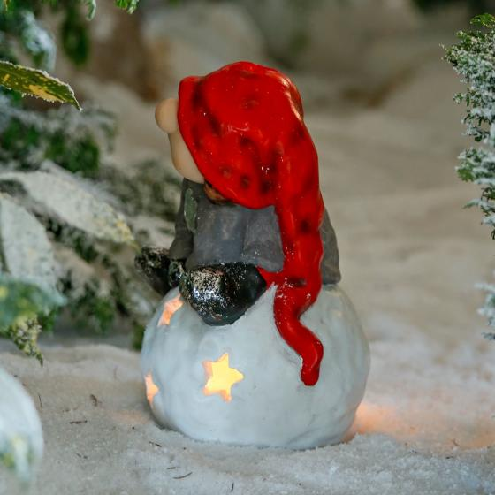 Winterwichtel Oskar auf Schneeball | #2