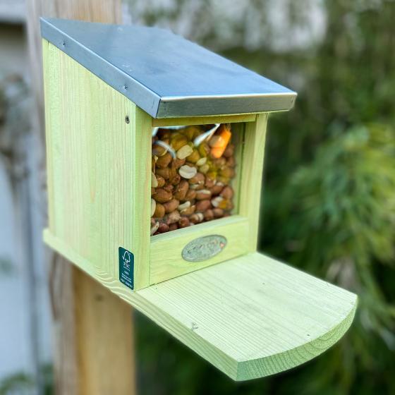 Eichhörnchen Futterhaus, mit Zinkdach und Plexiglasscheibe | #2