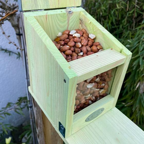 Eichhörnchen Futterhaus, mit Zinkdach und Plexiglasscheibe | #3