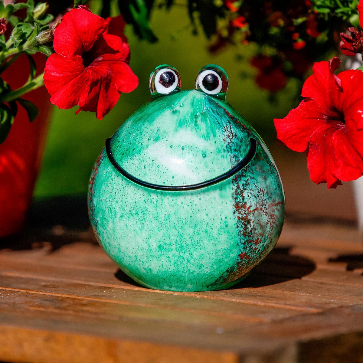 Gartendekoration glasfrosch g nni von g rtner p tschke for Weihnachtliche gartendekoration