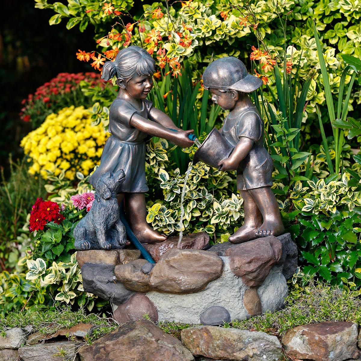 Brunnen Spielende Kinder