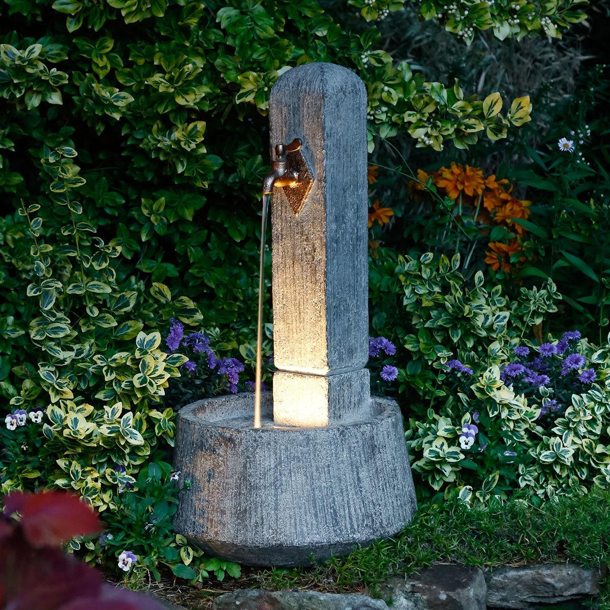 Standbrunnen hellas antica von g rtner p tschke for Wasser garten