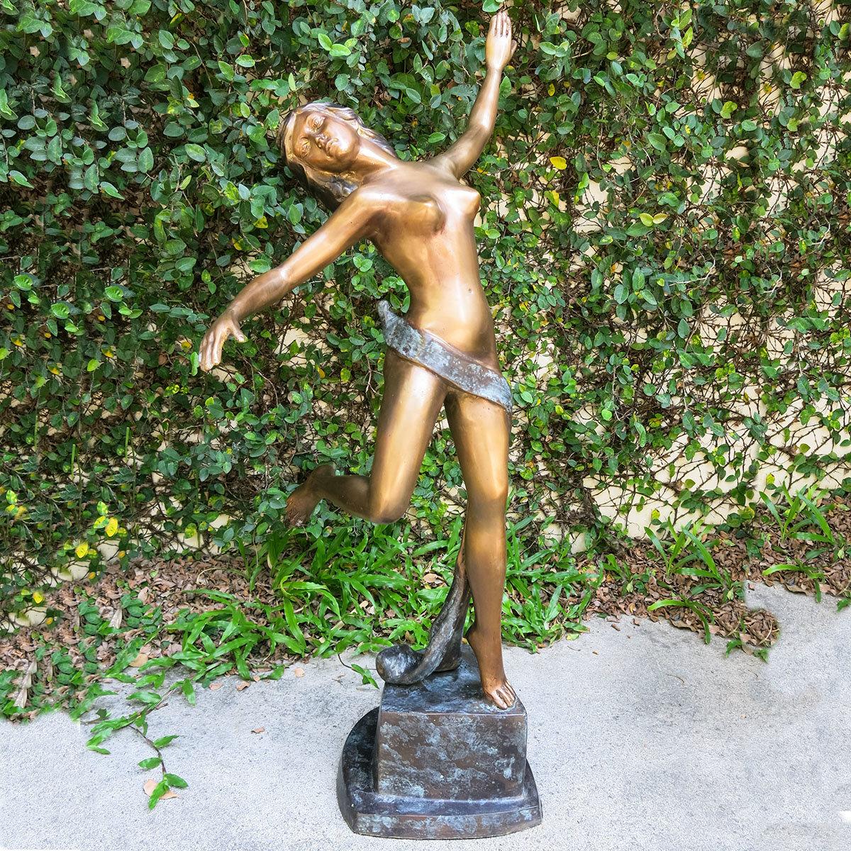 Bronzefigur Primadonna